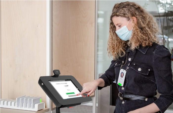 Contactess Visitor Management Kiosk